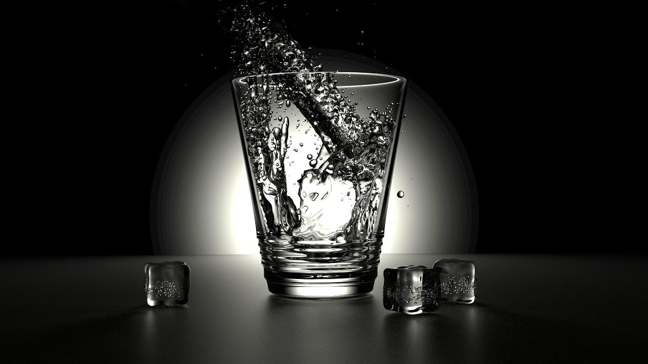 glass-2374311_1280